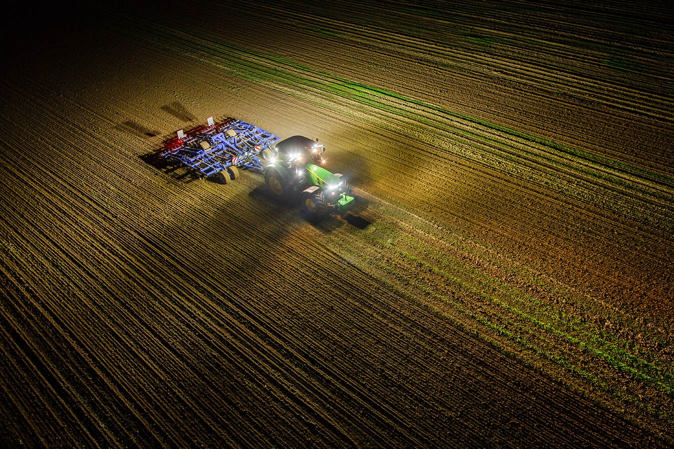 Tractor With Lights : John deere introduces new r and series tractors
