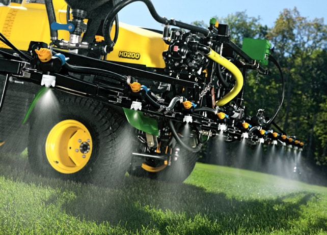 750 l capacity of the HD200 sprayer