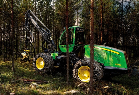 1070E Wheeled Harvester working in a forest