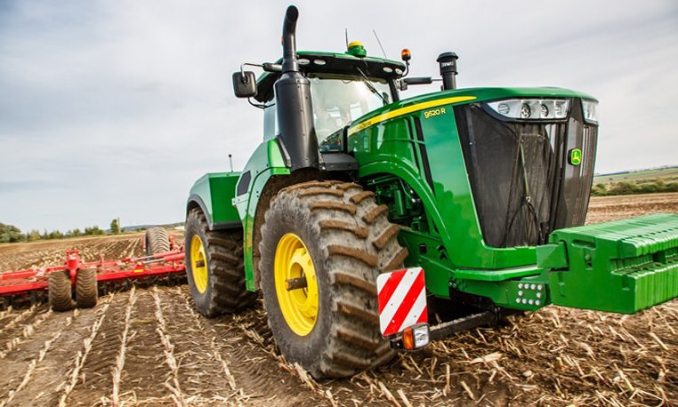 9R/9RT Series Tractors: There's intelligence behind this power
