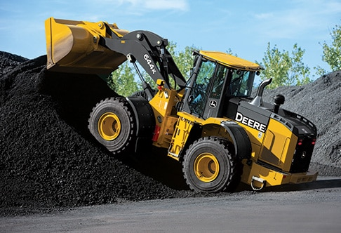 644K wheel loader dumping a bucket full of coal