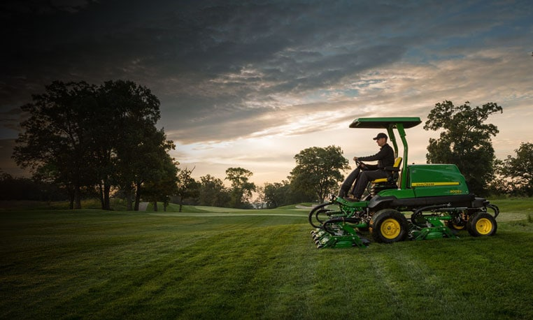 Image of 9009A Rough Mower on a golf course.