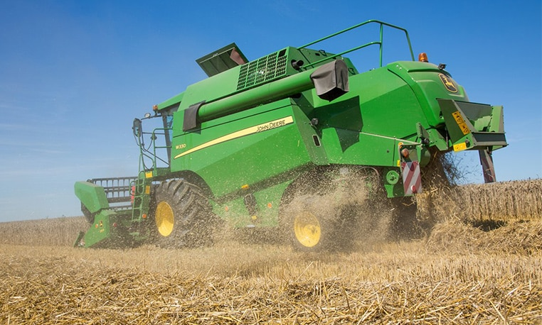 W300/W400 Compact Combines – Harvest in record time