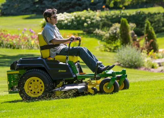Z525E ZERO TURN MOWER
