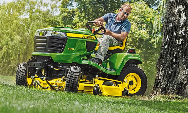 John Deere X700 Series Why compromise on Power?